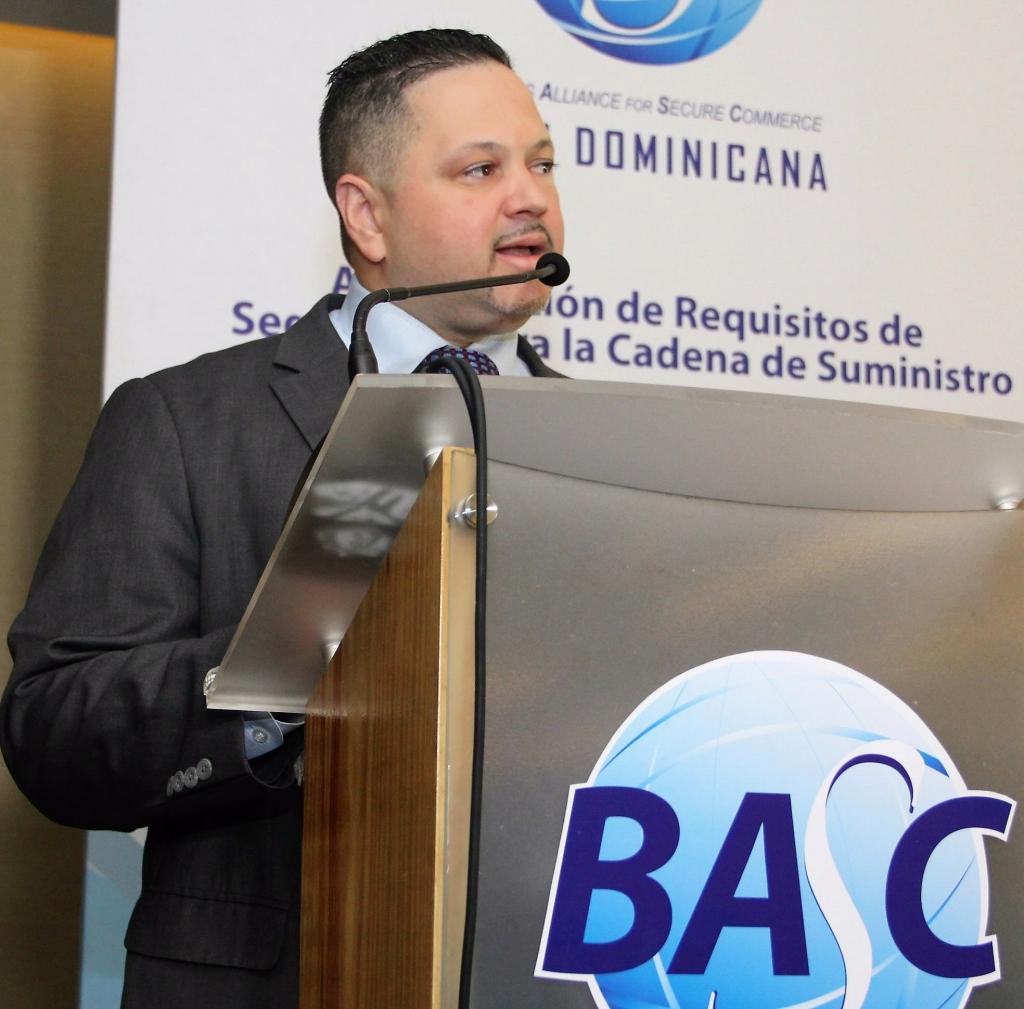 Juan Pimentel, especialista en seguridad de la cadena de suministro CTPAT